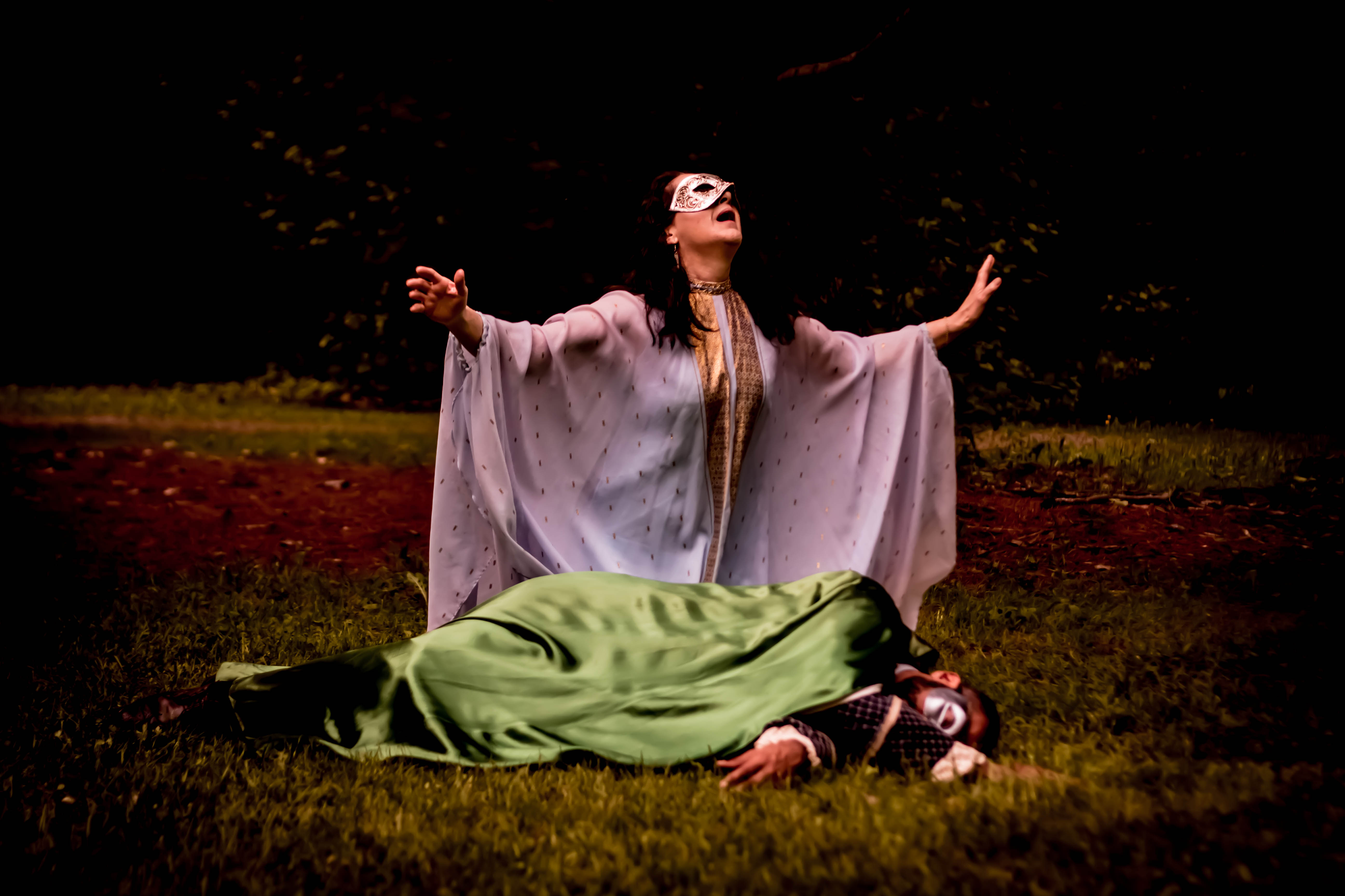"""an analysis of the ophelias death in hamlet a play by william shakespeare If william shakespeare's hamlet is """"the most famous play in english  it is not a  pathology of falsehood or displacement of meaning, but of history itself"""" (5)   thus, ophelia's reaction to her father's death is not due to a biological flaw, but  set."""